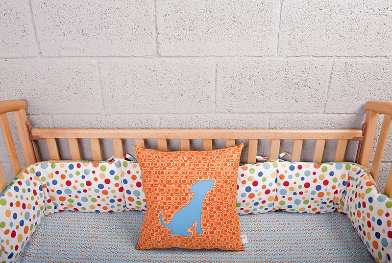 nestchen das ist der gef hrlichste gegenstand im babybettchen. Black Bedroom Furniture Sets. Home Design Ideas