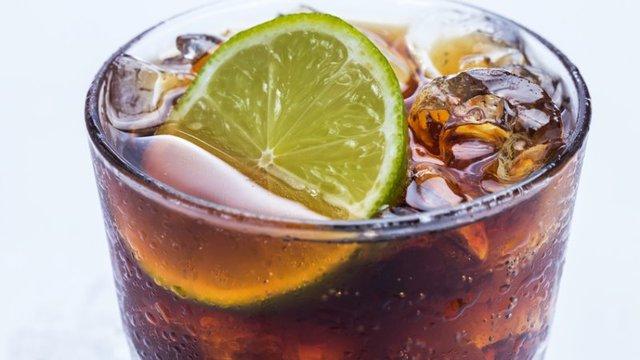 cola nicht nur zum trinken sondern auch zum putzen gut geeignet. Black Bedroom Furniture Sets. Home Design Ideas