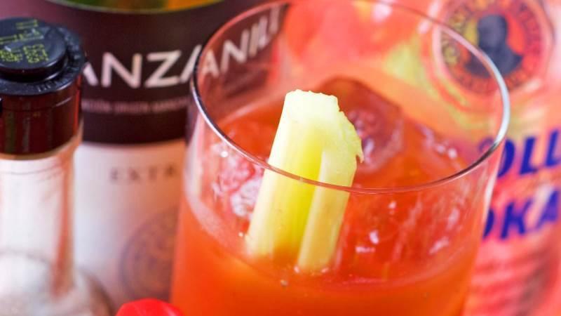 10 Cocktails und Drinks, die man kennen muss