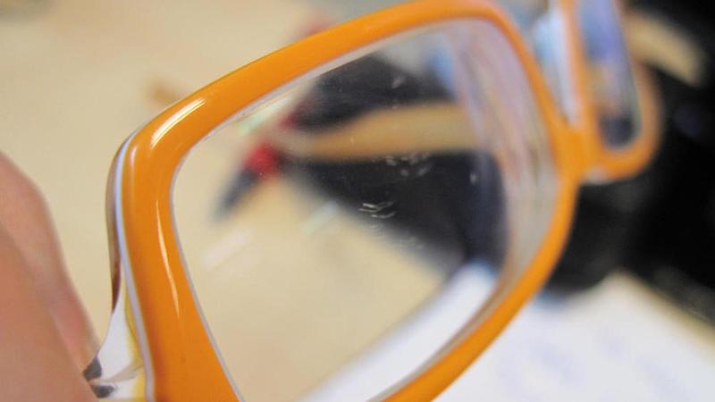 so verl ngerst du die lebensdauer deiner brillengl ser. Black Bedroom Furniture Sets. Home Design Ideas