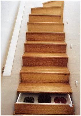 12 kreative ideen die deinem zuhause das gewisse etwas for Schuhschrank treppe