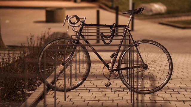 fahrrad sichern auch ohne schloss. Black Bedroom Furniture Sets. Home Design Ideas