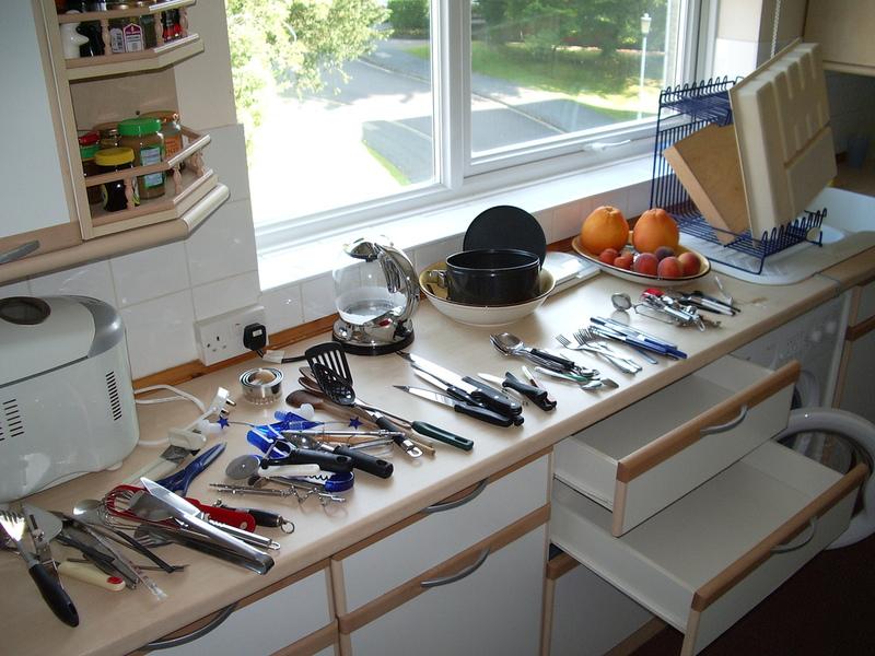 küche schubladen ausräumen