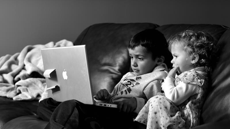 5 tipps mit denen dein kind endlich ins bett geht. Black Bedroom Furniture Sets. Home Design Ideas