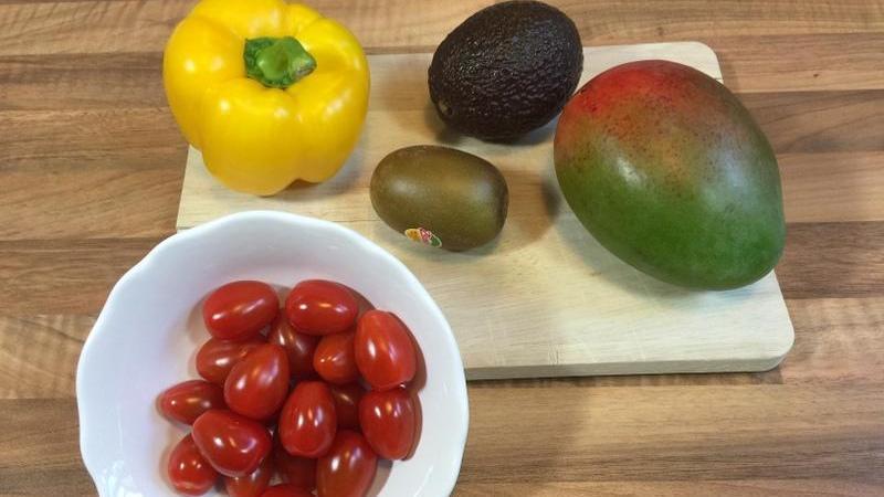 video avocado mango paprika tomate und kiwi richtig. Black Bedroom Furniture Sets. Home Design Ideas