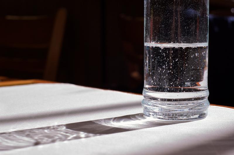 wasser glas sprudel