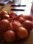 zum Produkt Zwiebeln  Solanum
