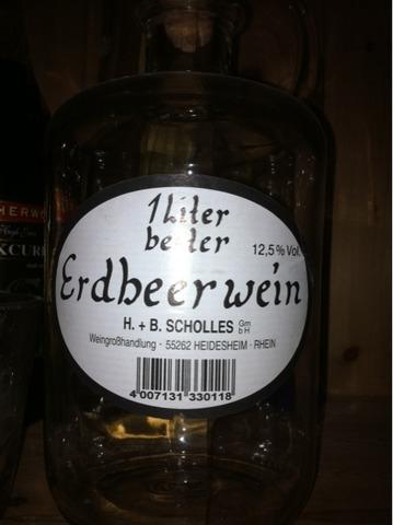 Scholles - Frucht Dessertwein in dekorativer Apothekerflasche - Geschmack: Erdbeer - Deutsche Spitzenqualität - 1 Flasche á 4007131330118